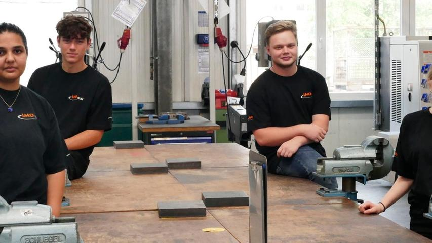 IMO in Gremsdorf hat vier neue Auszubildende willkommen geheißen.