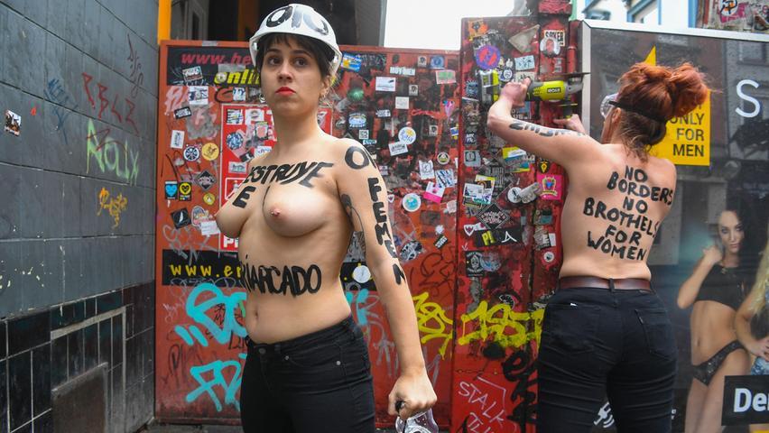 Femen-Aktivistinnen protestieren anlässlich desweltweit gefeierten Frauentages gegen das Patriarchat und für die Rechte der Frau.