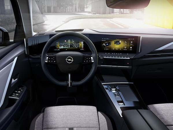 Puristisch-elegant sieht das neue Digital-Cockpit aus.