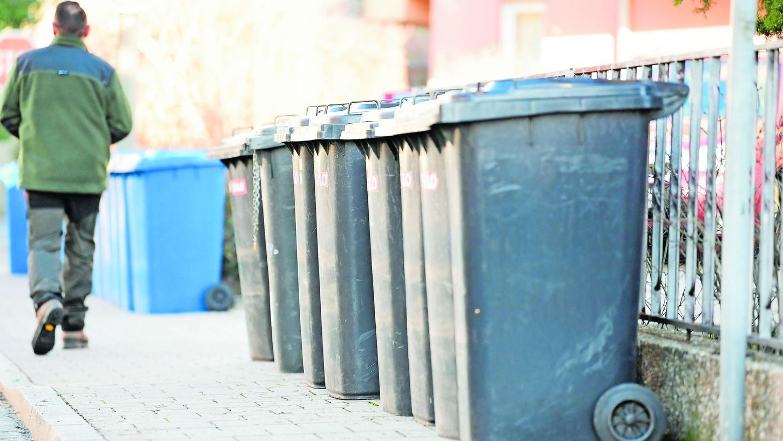 Ob grau, blau oder gelb: Im Kreis Bamberg sollen die Tonnen nur noch aus mindestens 80 Prozent Recycling-Kunststoff bestehen.