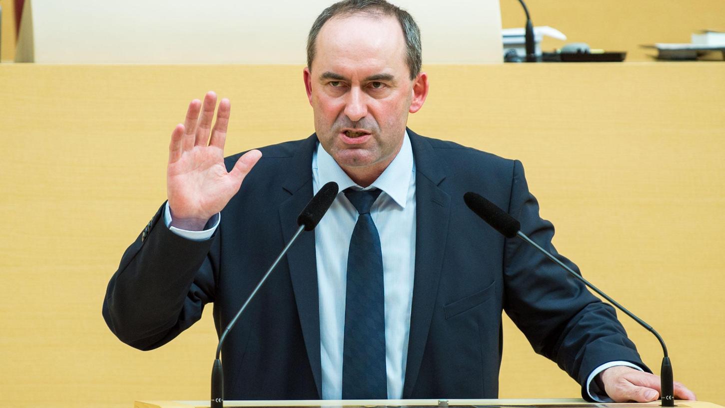 Bayerns stellvertretender Ministerpräsident Hubert Aiwanger (Freie Wähler) hat kostenlose Antikörpertests auf das Coronavirus gefordert.