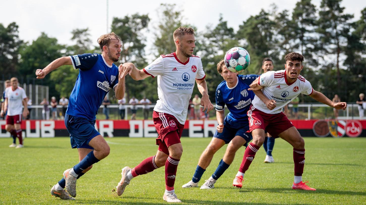 Durfte mal wieder bei den Profis mitspielen: Tim Latteier, hier im Einsatz für die U21.