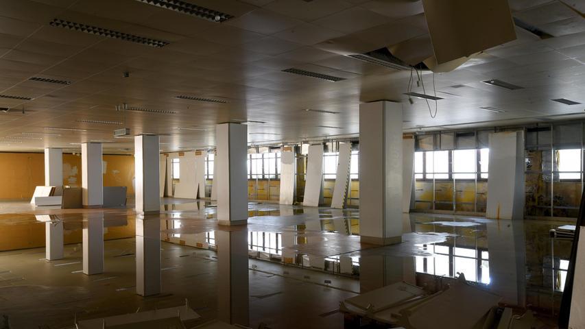 Die riesigen Räume stehen seit Jahren leer.