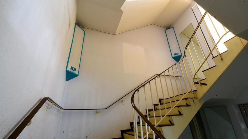 Auch auf dieser Treppe ist schon lange kein Kunde mehr gelaufen.