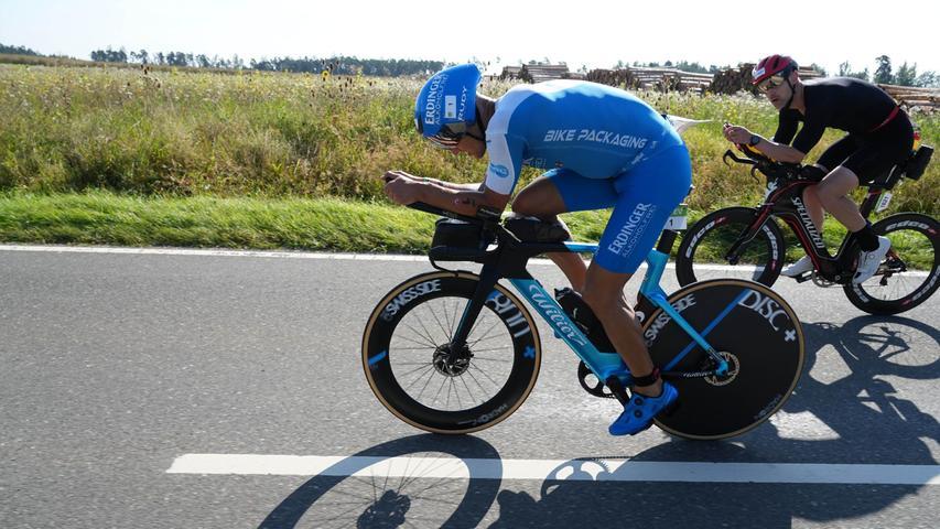 Tortur beim Triathlon: Die Bilder vom Radeln beim Challenge Roth
