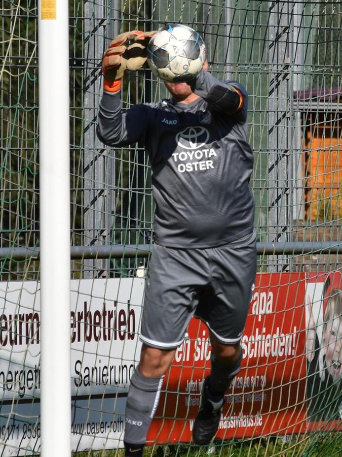 Packt im Tor der Dittenheimer fest zu: André Ballenberger. Bald will er seine Qualitäten auch wieder im Handballtor zeigen.