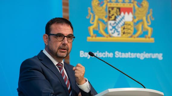 Corona-Quarantäne in Bayern: Holetschek stellt neue Regelungen vor