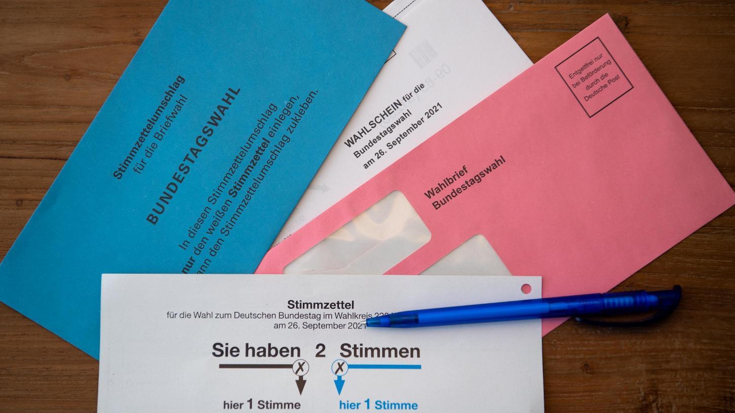 Viele Bürgerinnen und Bürger warten derzeit auf ihre Briefwahlunterlagen.
