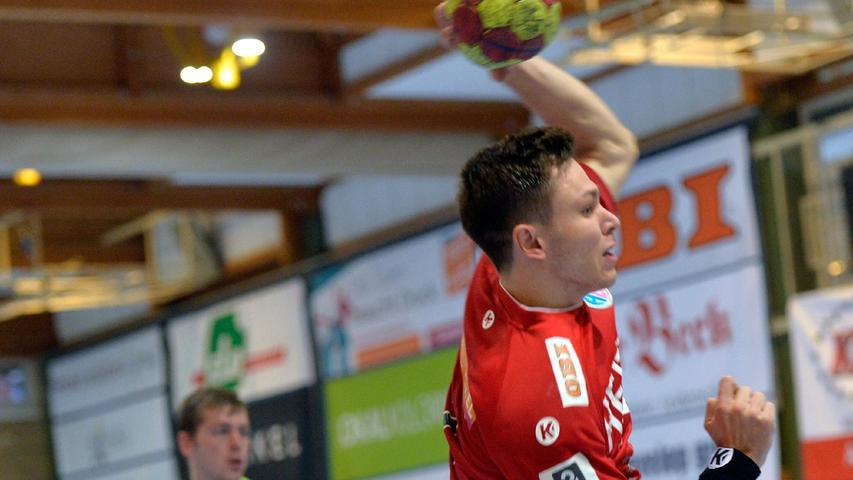Erlangen:  Erstes Heimspiel der neuen Drittliga-Handball-Saison für die Spieler der U 23 des HC Erlangen. Wieder vor Zuschauern gewannen die Erlanger durch ein Tor in letzter Sekunde von Tim Bauder mit 25:24 Toren.  Im Bild: Poser. 04.09.21. Foto:  Harald Sippel