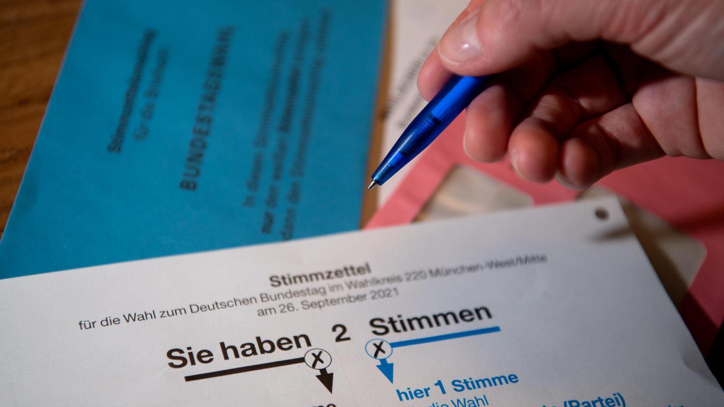 Auf den Stimmzetteln im Bundeswahlkreis 242 Erlangen wurde die FW-Kandidatin Anna-Carina Häusler fälschlicherweise als Anna-Carina Häußler bezeichnet.