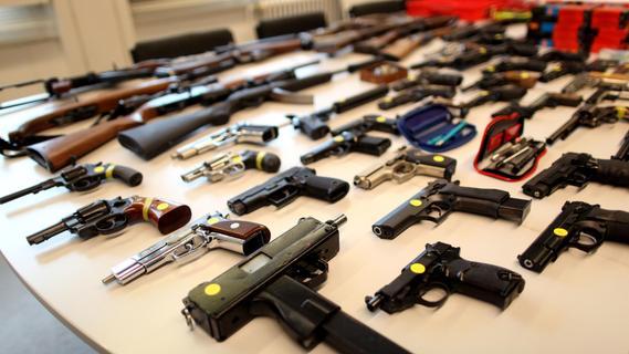 Abgabefrist zu Ende: Wöchentlich Waffen und Munition auf dem Tisch