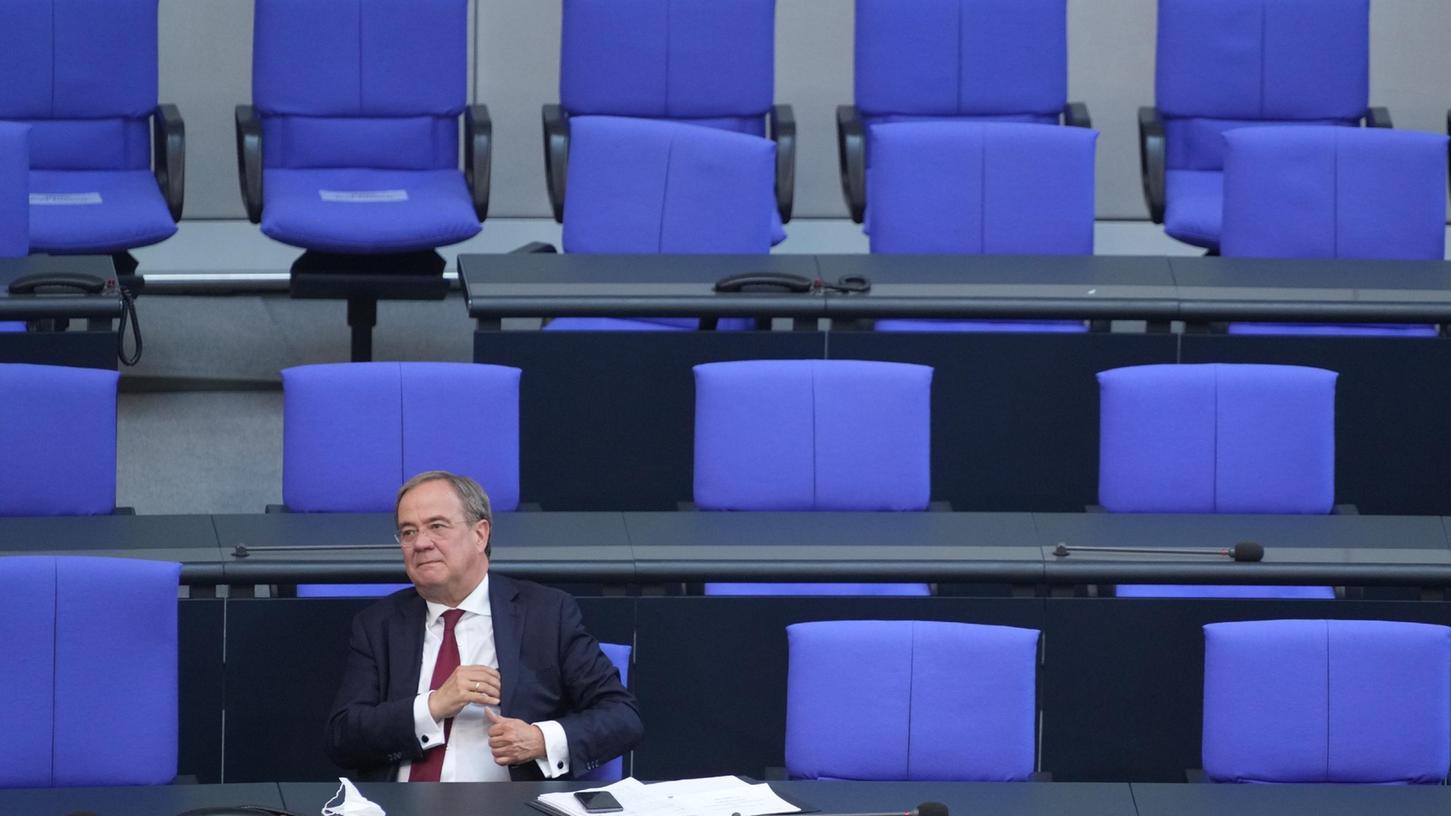 Wenn der Kanzler oder die Kanzlerin direkt gewählt werden würde, hätte Armin Laschet laut Umfrage nur noch neun Prozent der Befragten hinter sich.