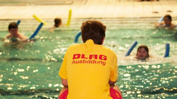 Gutschein vom Freistaat: Bayern schenkt Grundschülern 50 Euro für das Seepferdchen