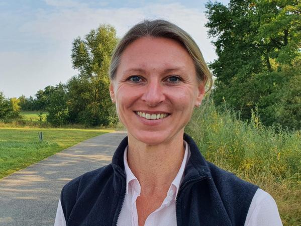 Expertin für Wiesenbrüter: Verena Auernhammer.