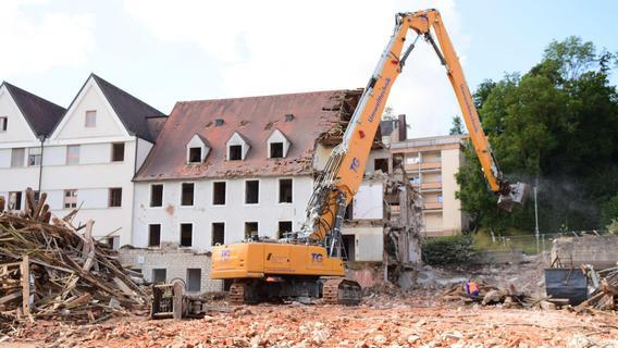 Abriss des Treuchtlinger Krankenhauses in vollem Gange