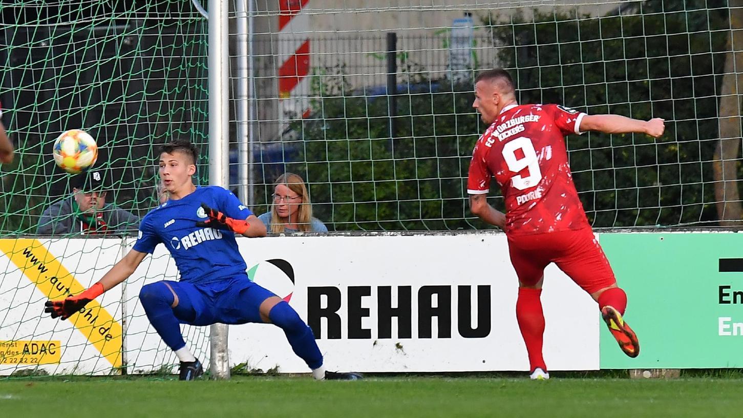 Hält stark gegen seine Ex-Kollegen: Lukas Peterson stand erstmals beim SC Eltersdorf im Tor.