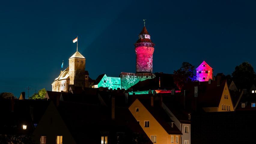 Erste Bilder zum Spektakel: Ab heute leuchtet die Nürnberger Burg bunt
