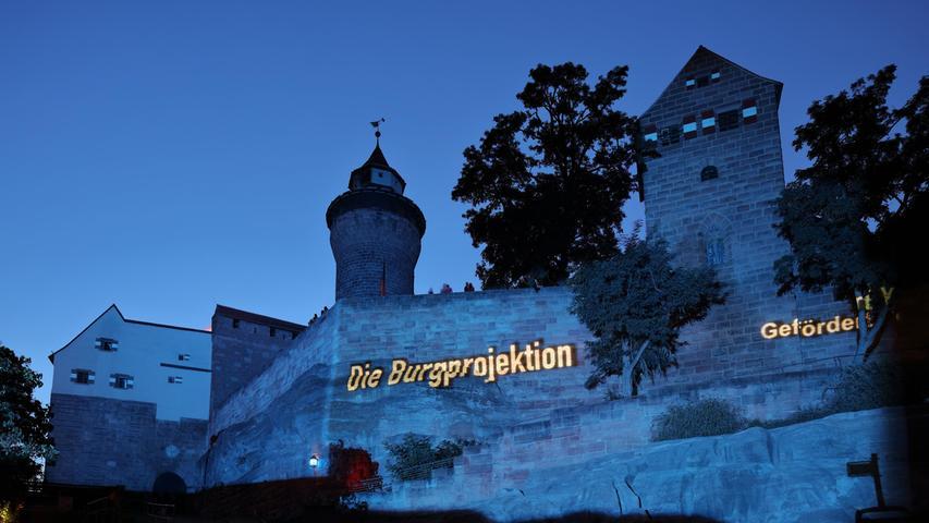 Als symbolischen Beitrag für die erneute Absage der Blauen Nacht 2021 wird Angermanns Bilderschau nun im September gleich mehrere Tage auf der Burgmauer zu sehen sein.
