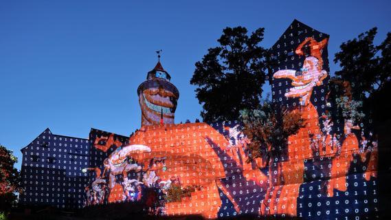 Nach Kritik im Netz - ist Nürnbergs Burgprojektion Lichtverschwendung?