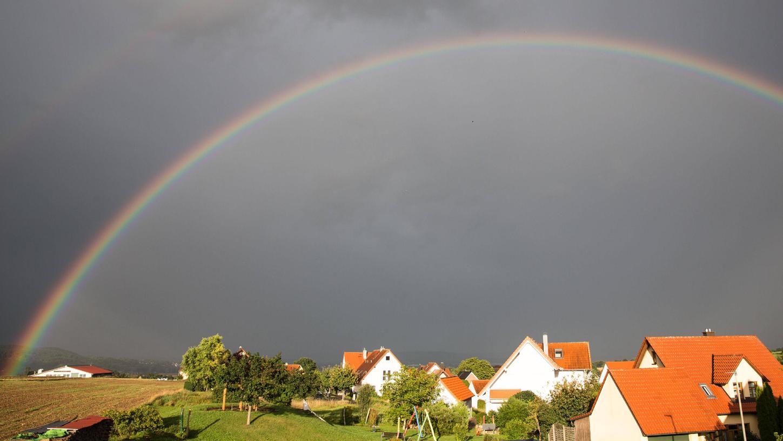 Durch den vielen Regen in diesem Jahr konnten sich die Menschen in Franken besonders häufig am Anblick eines Regenbogens erfreuen. Doch vor allem für die Natur war der Niederschlag ein echter Heilsbringer
