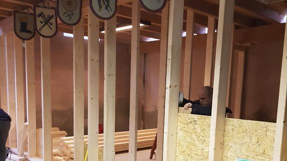 Zunächst wurden Ständerwände im einstigen Lager eingebaut, um neue Räume zu schaffen