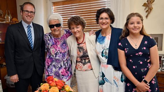 Engagiert bis ins hohe Alter: Erlanger Ärztin Ingeborg Lötterle ist 100
