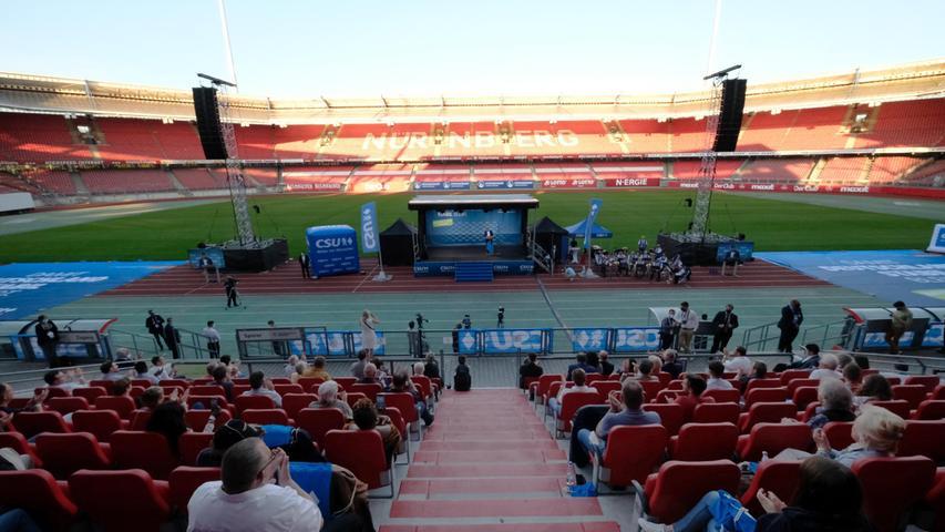 Die Spitzenkandidaten und Ministerpräsident Markus Söder traten am Mittwoch um 18 Uhrim Max-Morlock-Stadion auf.