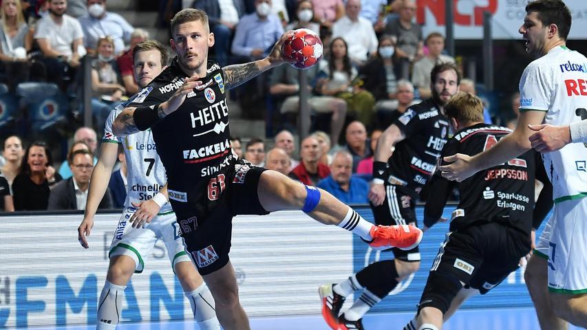 08.09.2021 --- Handball --- 1. Bundesliga LIQUI MOLY HBL --- Saison 2021 2022 ---  01. Spieltag: HC Erlangen Metropolregion Nürnberg HCE - SC DHfK Leipzig --- Foto: Sport-/Pressefoto Wolfgang Zink / OGo ---   Hampus Olsson (67, HC Erlangen HCE )
