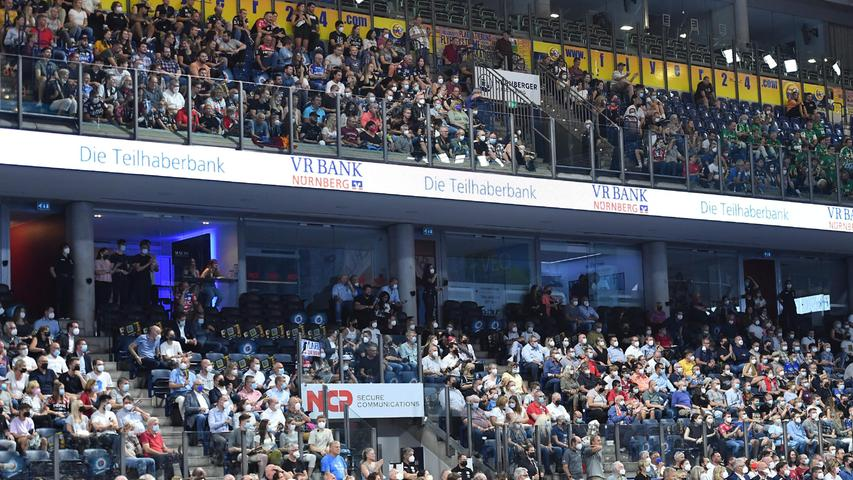 08.09.2021 --- Handball --- 1. Bundesliga LIQUI MOLY HBL --- Saison 2021 2022 ---  01. Spieltag: HC Erlangen Metropolregion Nürnberg HCE - SC DHfK Leipzig --- Foto: Sport-/Pressefoto Wolfgang Zink / OGo ---   Symbolbild Symbolfoto Feature Impression Tribüne Haupttribüne