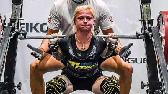 47 kg leichte Anja Schreiner hebelt physikalische Gesetze aus