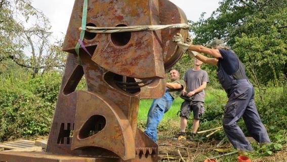 Kunstwerke für den Skulpturenweg am Walberla sind angekommen