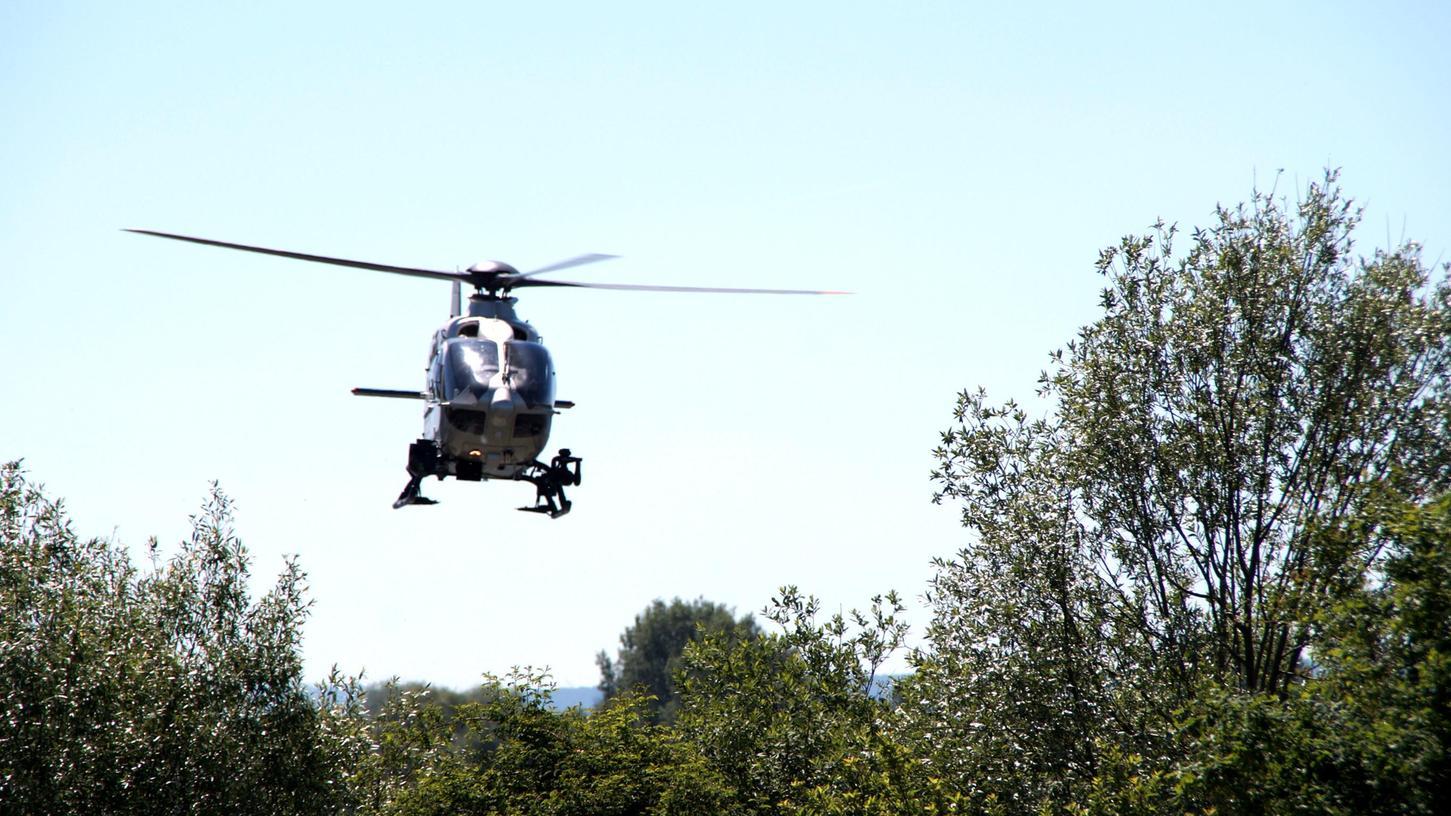 Solche Polizei-Hubschrauber kommen häufig zum Einsatz, wenn Personen vermisst werden – so bei dem 47-Jährigen, der erst nach 16 Tagen wieder auftauchte.
