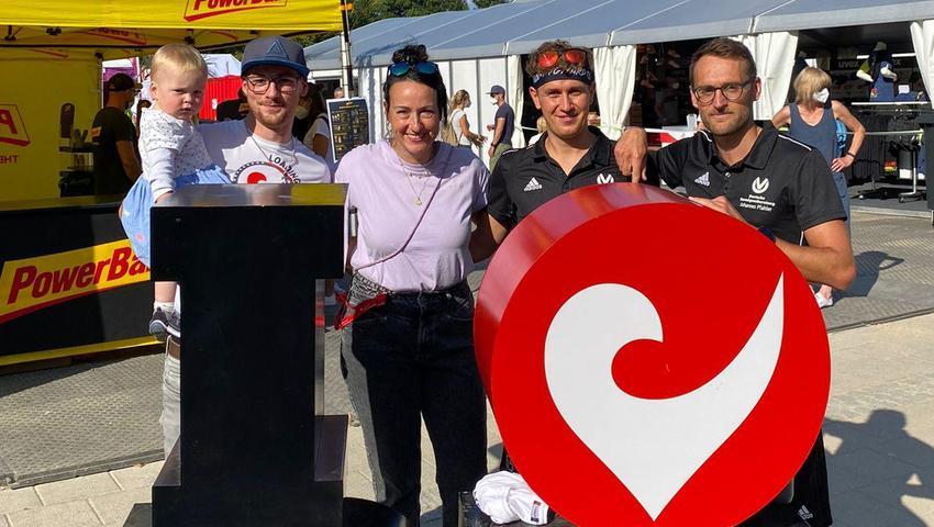 Das Stopfenheimer TriTeam zeigte sich begeistert von der Organisation und brachte dies auch gegenüber Kathrin Walchshöfer (hier mit im Bild) von der Veranstalter-Familie zum Ausdruck.