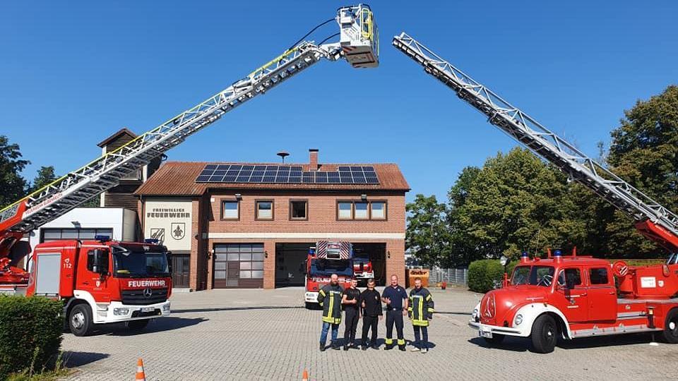 Bubenreuth: Feuerwehr versteigert altes Drehleiterfahrzeug und findet neue Besitzer in Polen