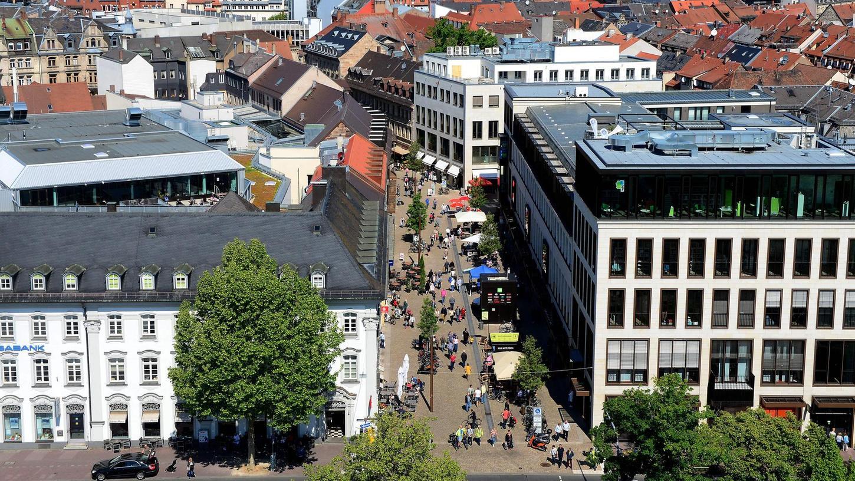 Laut dem Fürther Wirtschaftsreferenten steht ebenjene Branche trotz Corona gut da. Unser Bild zeigt einen Teil der Fußgängerzone in der Rudolf-Breitscheid-Straße.