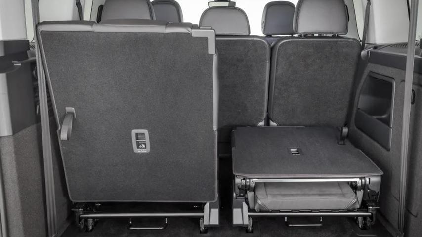 Optional gibt es den Caddy als Siebensitzer (Foto). Bereits die Sitze in zweiter Reihe lassen sich nicht nur wegklappen und
