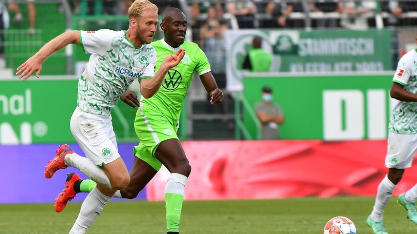 Machte 89 Minuten lang ein sehr gutes Spiel, war als Sechser präsent, zweikampfstark und eine echte Verstärkung. Dann grätschte er in der Nachspielzeit den Wolfsburger Waldschmidt unnötigerweise im Strafraum um, sodass Weghorst das Spiel per Elfmeter entscheiden konnte.