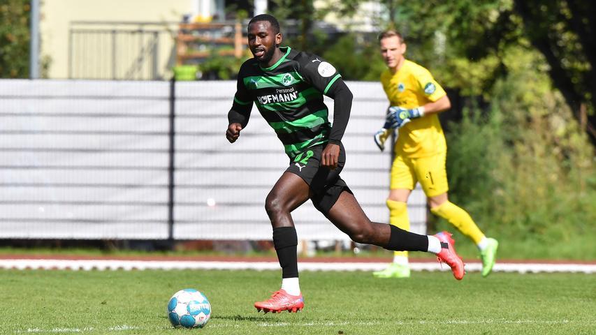 Kam nach 67 Minuten zu seinem Bundesliga-Debüt und belohnte sich damit (endlich) für eine gute Vorbereitung im Juli. Übernahm die rechte Abwehrseite von Meyerhöfer und scheint auch sonst als Ersatz auf dieser Position den U20-Nationalspieler Simon Asta (nicht im Aufgebot) abgehängt zu haben. Hatte einige vielversprechende Aktionen nach vorne, die die Wolfsburger aber früh zunichte machten.
