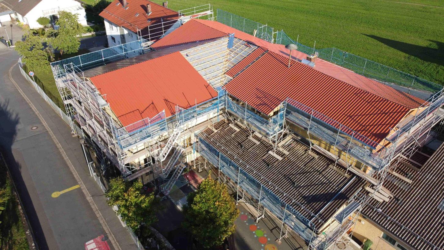 So sieht die Schulsanierung Weilersbach von oben aus.