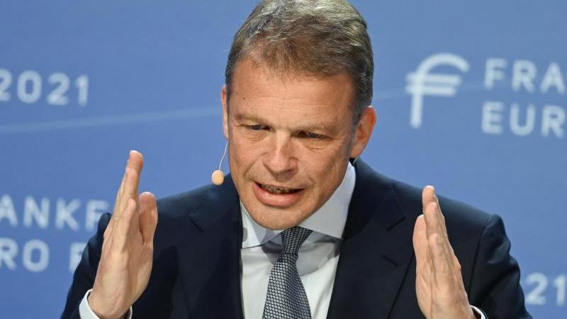 Christian Sewing, Vorstandsvorsitzender der Deutschen Bank, vermisst