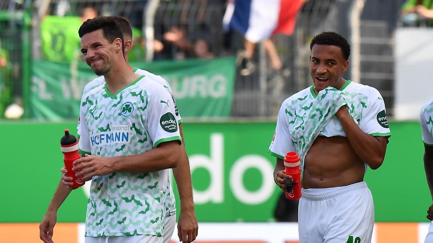 Nicht schlecht, aber auch nicht richtig gut: Nick Viergever (links) und Jamie Leweling nach dem 0:2 gegen den Wolfsburg.