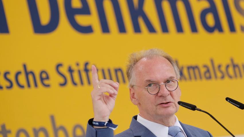Eine ungewohnte Koalition: Schwarz-Rot-Gelb für Deutschland?