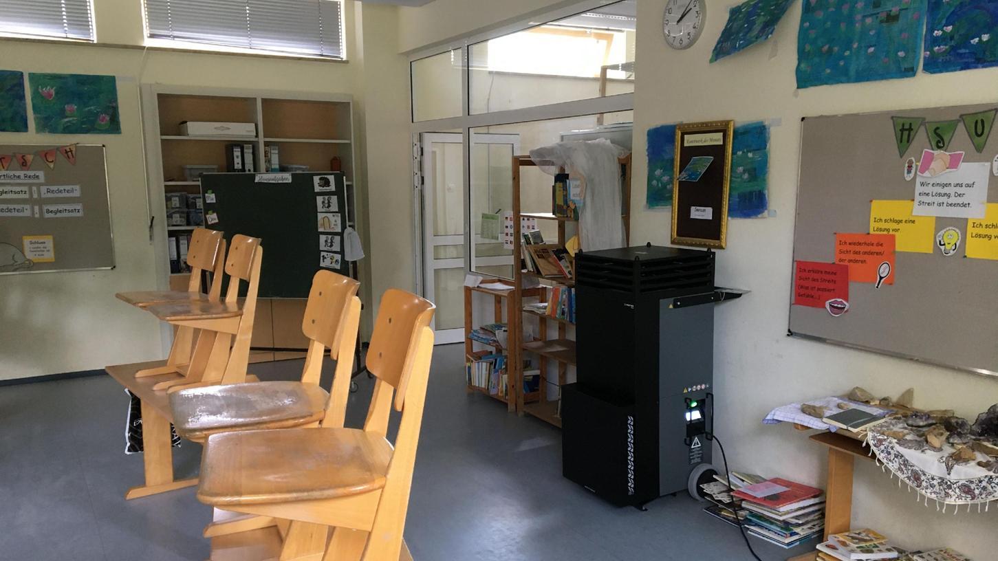 In Eggolsheim startet das neue Schuljahr mit Luftfiltern in allen Räumen (Symbolbild).