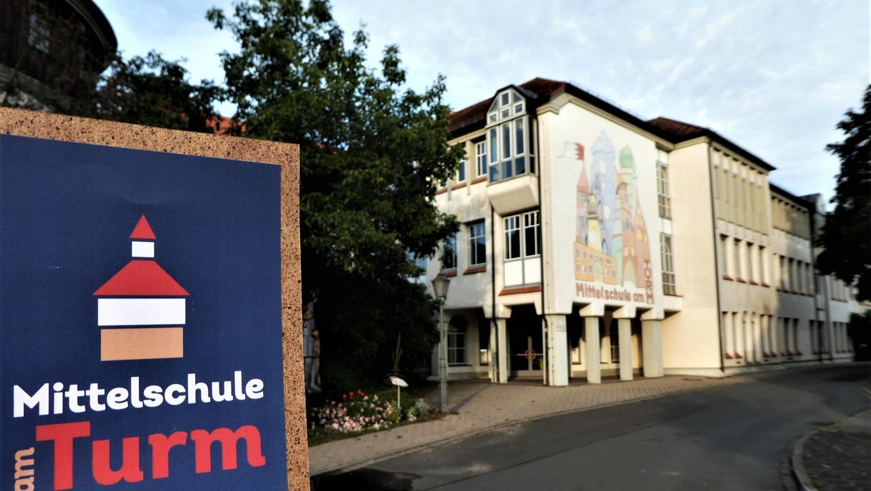 """Bewusst schlicht gehalten: Das neue Logo der Neustädter """"Mittelschule am Turm"""". Foto:o.n."""