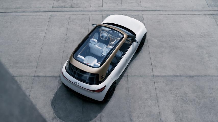 Aus dem viersitzigen wird beim Serienmodell ein fünfsitziges Konzept.
