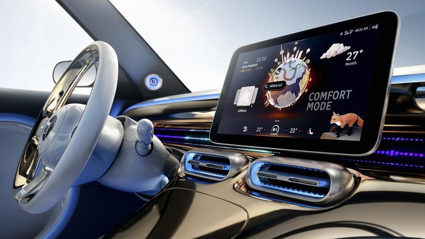 Zentrales Bedienelement ist ein Touchscreen im Format 12,8 Zoll, ein animierter Avatar führt als digitaler Assistent durch die Bedienfunktionen.