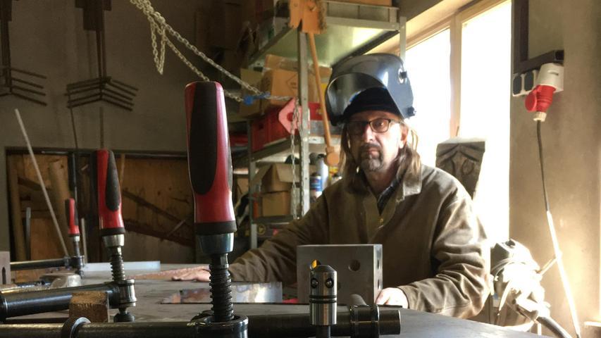 """""""Mir geht es um Kunst, und nicht um Schlosserarbeiten"""", wenngleich sich die Arbeitsgeräte gleichen."""