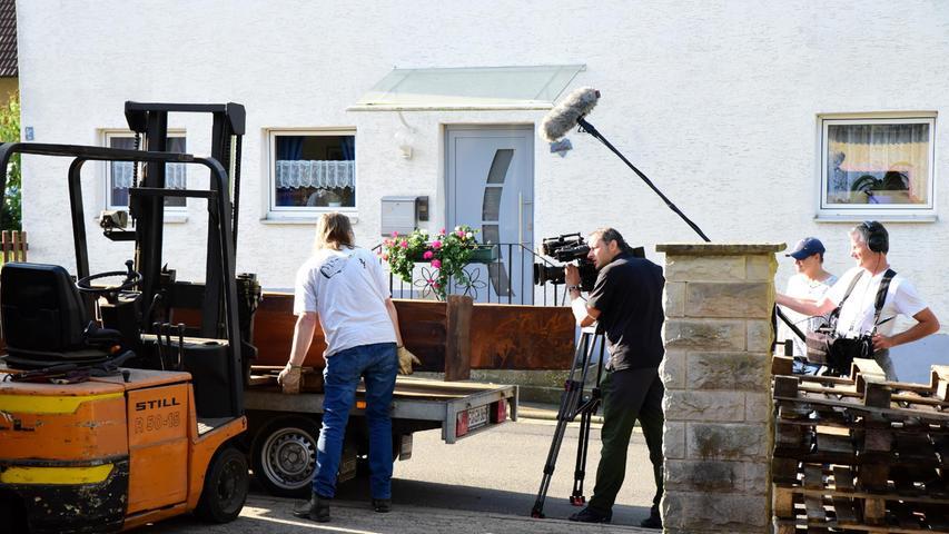 Begleitet wurde er dabei von einem Kamerateam des Bayerischen Fernsehens.