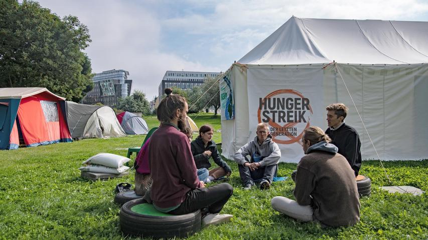 Hungerstreik fürs Klima vor dem Reichstag: