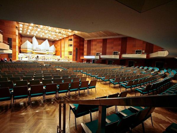 Sie hätte dann für große Konzerte ausgedient: die unter Denkmalschutz stehende Nürnberger Meistersingerhalle.